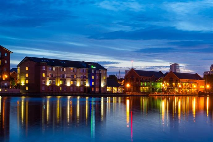 Holiday Inn Express Cardiff Bay - dream vacation