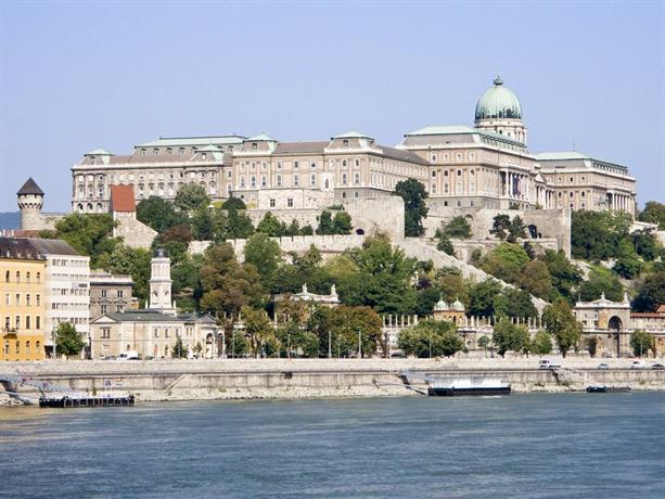 Mercure Korona Hotel In Budapest Service