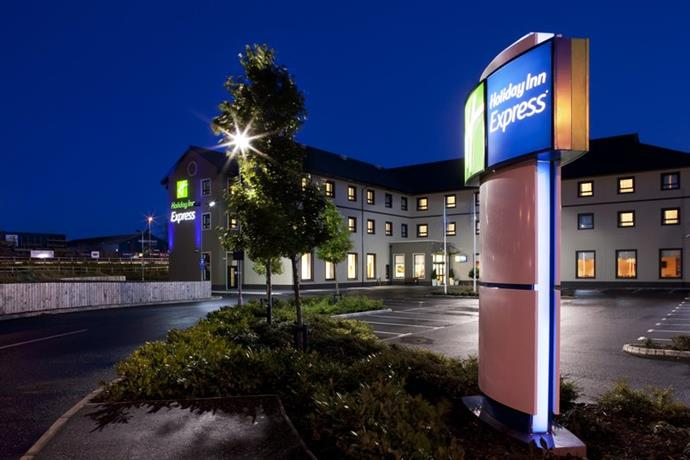 Holiday Inn Express Antrim M2 Jct 1 - dream vacation