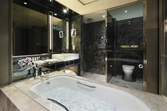 Royal Plaza Hotel Hong Kong Compare Deals