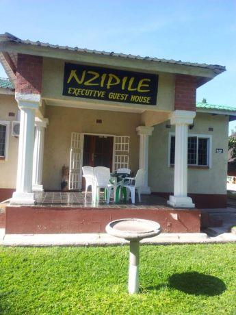 Nzipile Executive Guest House - dream vacation