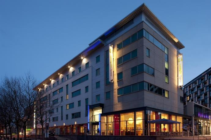 Holiday Inn Express Leeds City Centre-Armouries - dream vacation