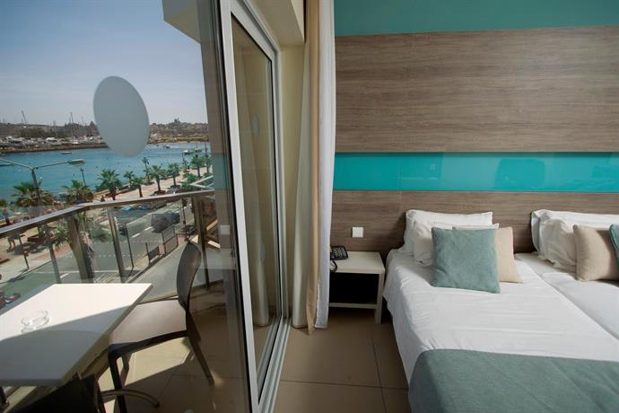 115 The Strand Hotel And Suites - dream vacation