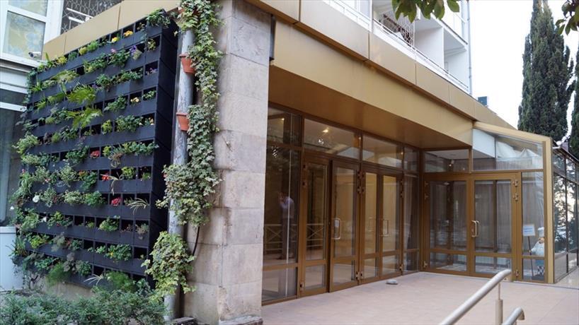 Отель Суббота