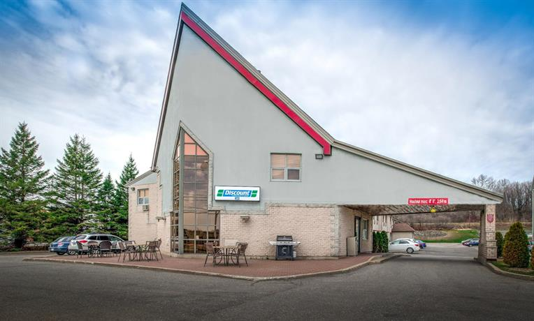 Howard Johnson by Wyndham Quebec City Images