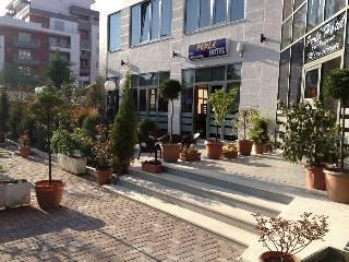Perla Hotel Pogradec - dream vacation