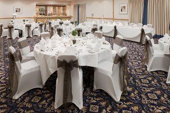 Holiday Inn Leeds Wakefield - dream vacation