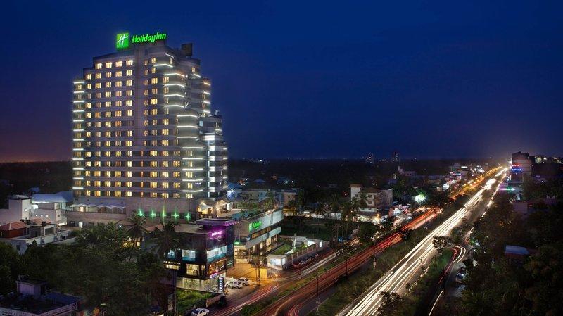 Holiday Inn Cochin - dream vacation