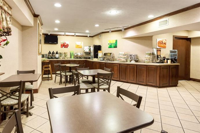 Quality Inn McComb - dream vacation