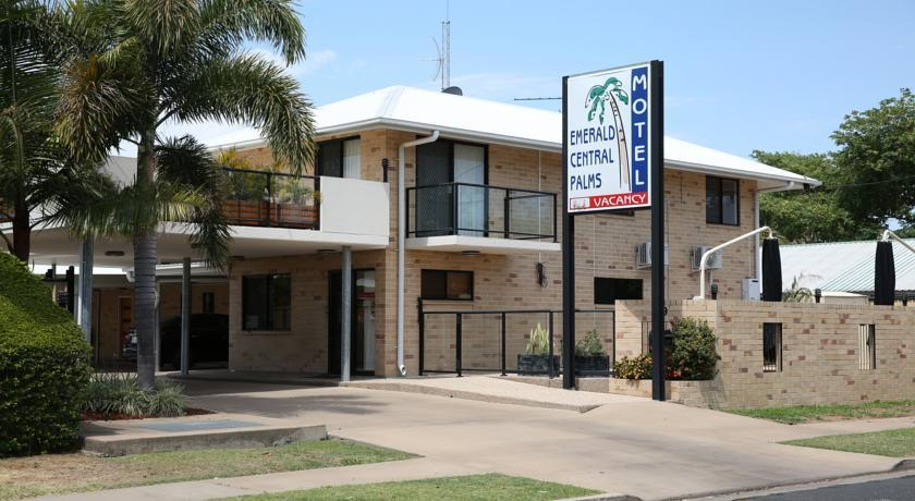 Emerald Central Palms Motel