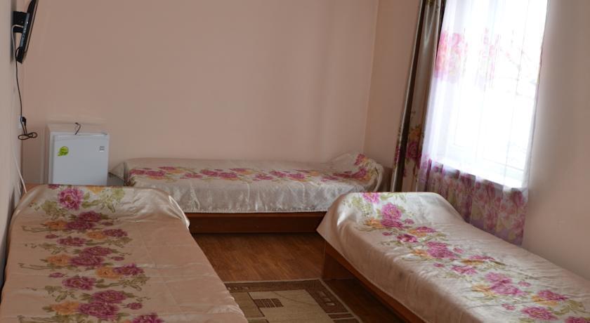 Отель Тахар