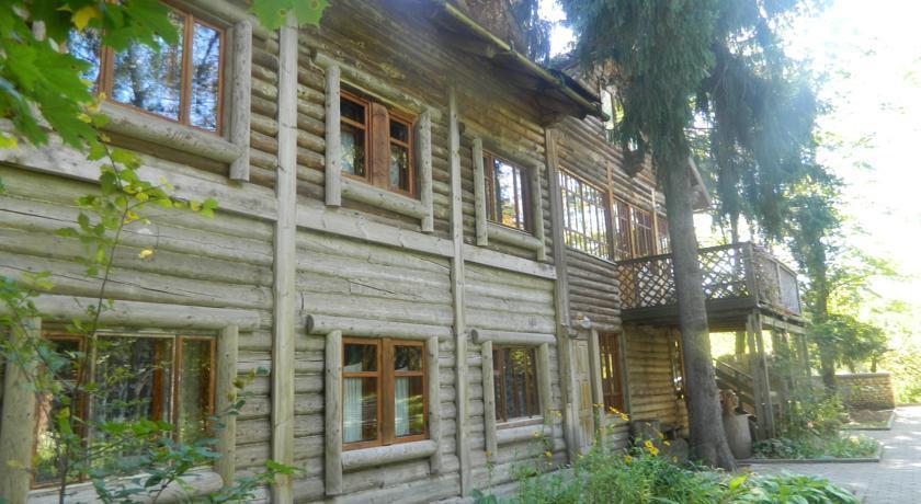 Chekhovskaya Dacha Hotel