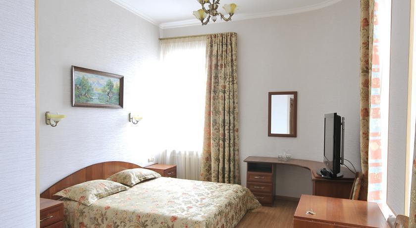 Кадгарон Отель