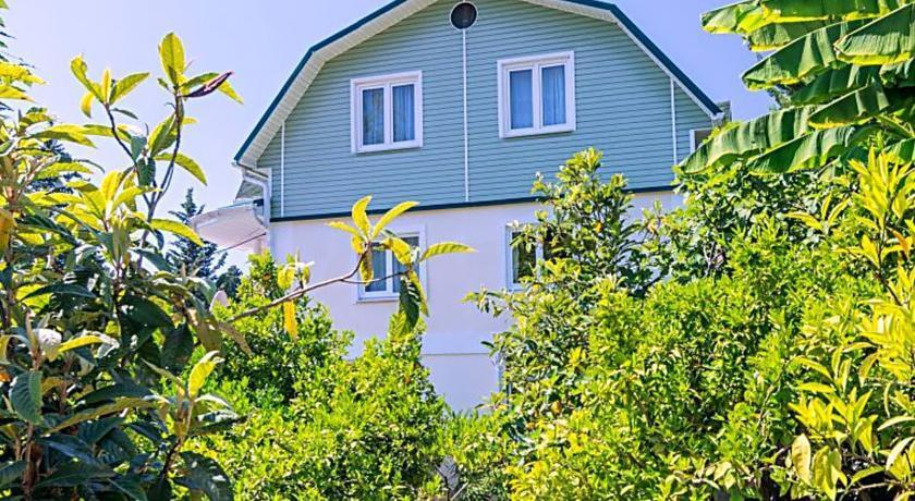 Lazurny Bereg Guest House - dream vacation