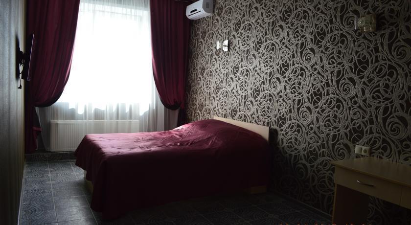 Отель Залесный