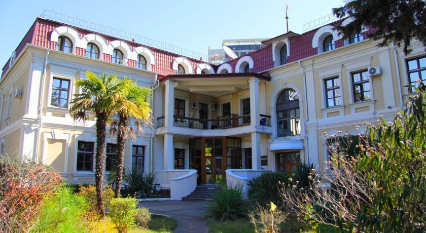 Курортный отель Мориса Тореза