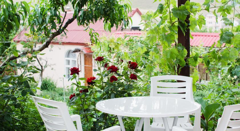 Polynny Guest House - dream vacation