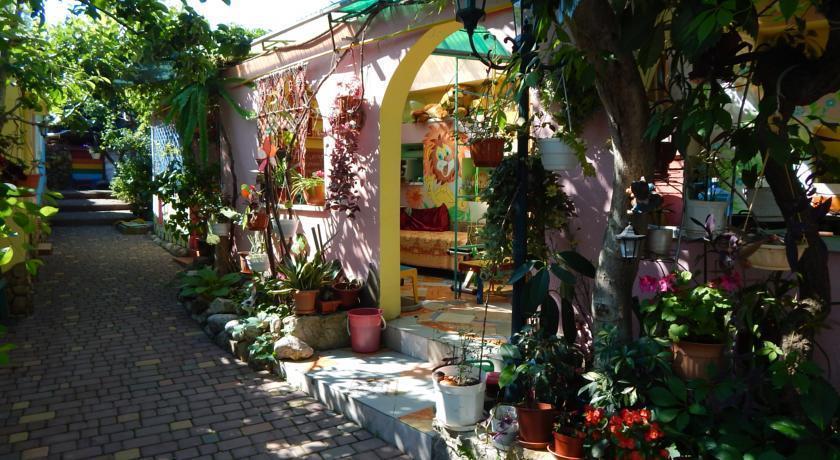 Na Dache Guest House Feodosiya - dream vacation