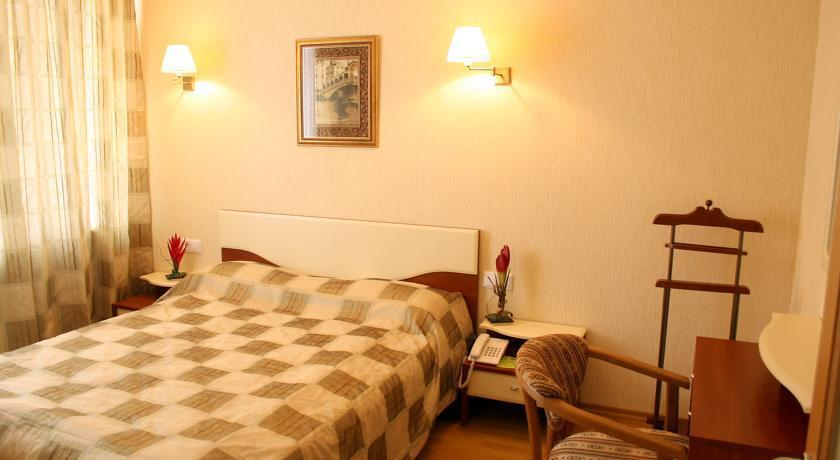 Hotel Nadezhda Dnipropetrovsk - dream vacation