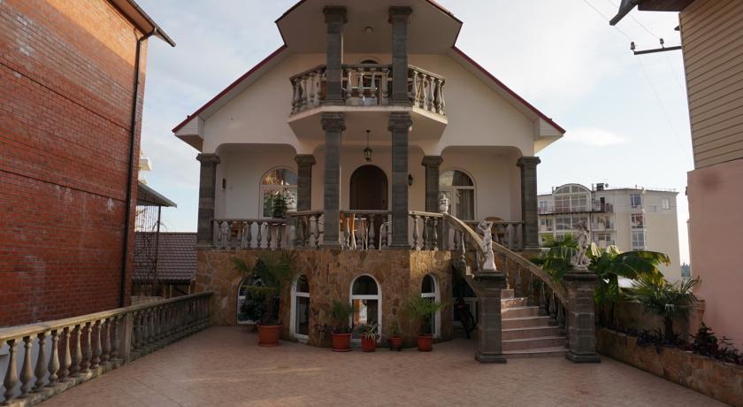 Отель Бамбук