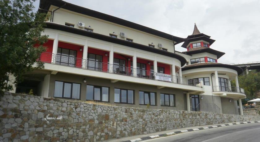 Отель Эрпан