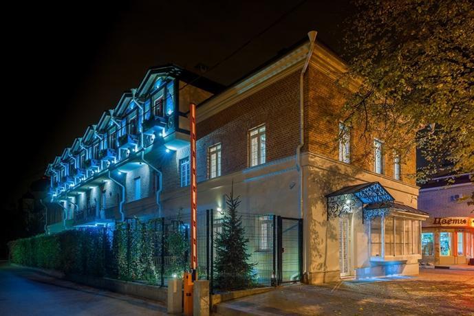 Авторский Отель Бронзовый Кабан