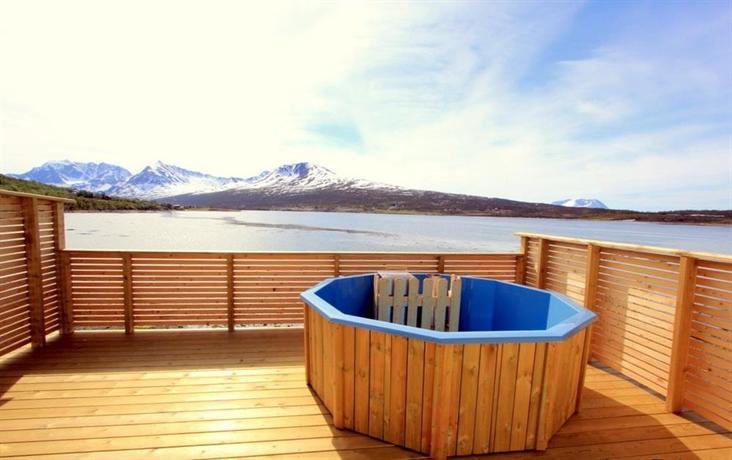 Lyngen Fjordcamp - dream vacation