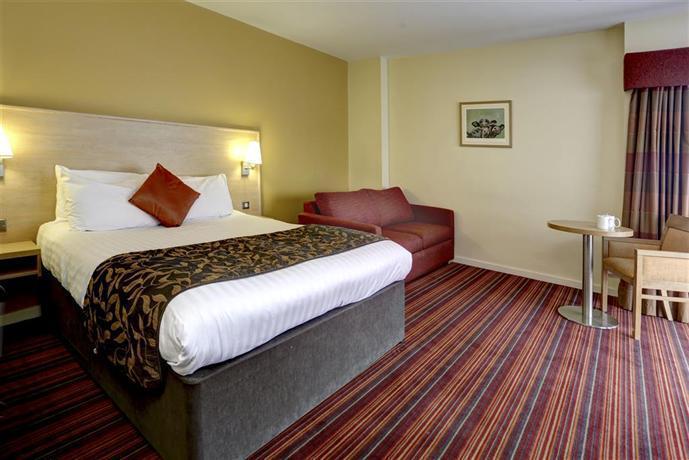 Birmingham Metro Hotel Maypole - dream vacation