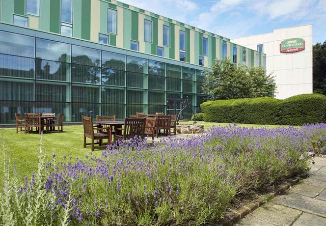 Courtyard by Marriott London Gatwick Airport Hotel - dream vacation