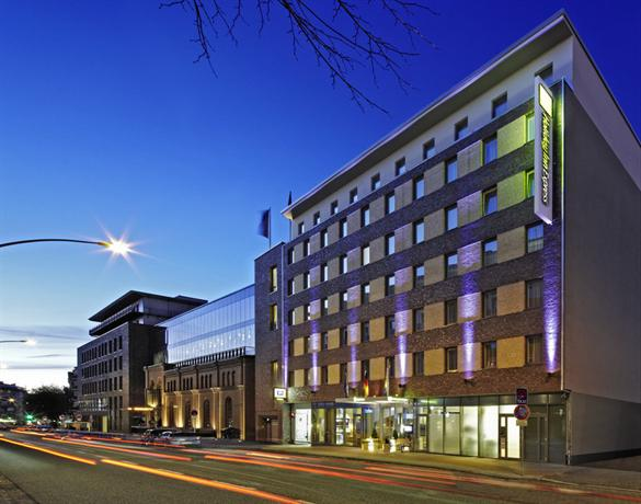 Holiday Inn Express Hamburg - St Pauli-Messe - dream vacation
