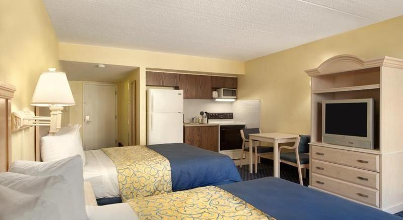 Days Inn Cocoa Cruiseport West At I-95 / 528 - dream vacation