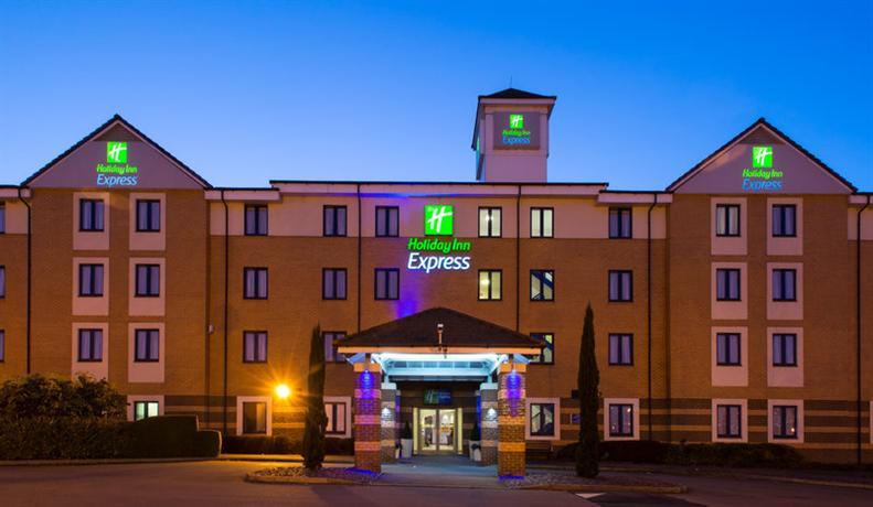 Holiday Inn Express London Dartford - dream vacation