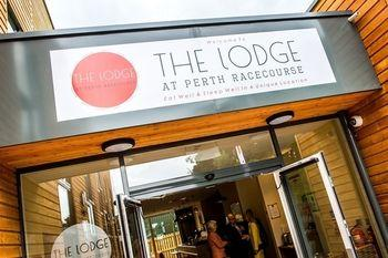 The Lodge At Perth Racecourse - dream vacation