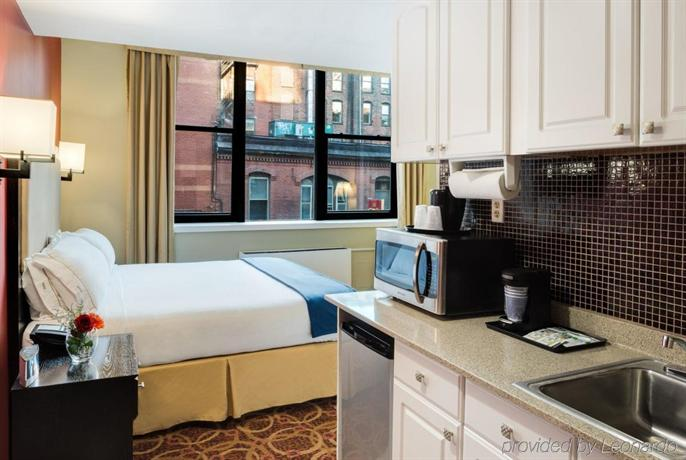 Holiday Inn Express Hotel And Suites Boston Td Garden Compare Deals
