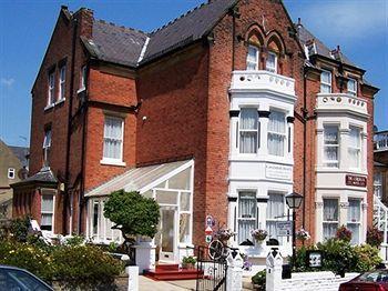 Cavendish Hotel Scarborough - dream vacation