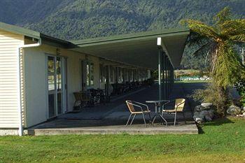Glacier View Motel - dream vacation
