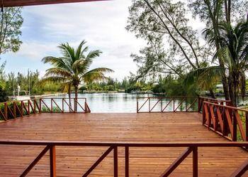 Butler\'s Villa - dream vacation