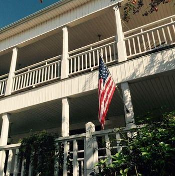 Lake Guntersville Bed and Breakfast - dream vacation