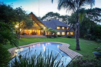 50 On Shepherd Boutique Guest House - dream vacation
