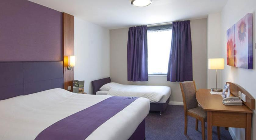 Premier Inn Salisbury - dream vacation