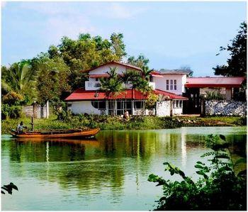 River Side Hotel Colombo - dream vacation