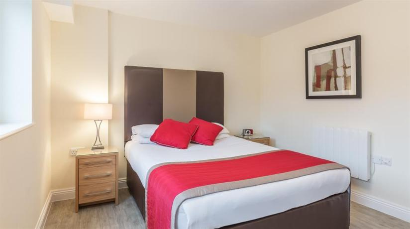 Central Point Apartments Basingstoke - dream vacation