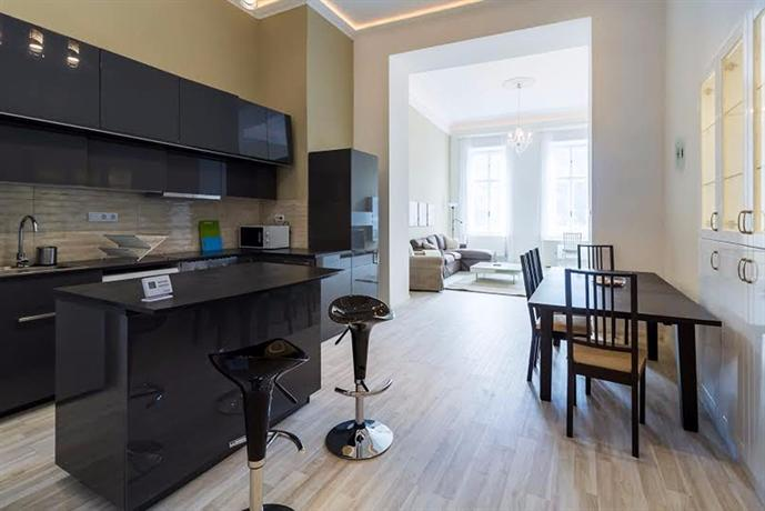 Riverside Danube Central Apartments - dream vacation