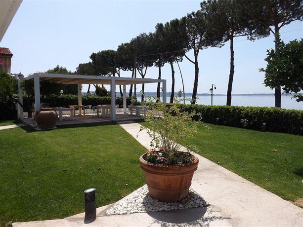 B&B La Terrazza Sul Lago, Trevignano Romano - Compare Deals