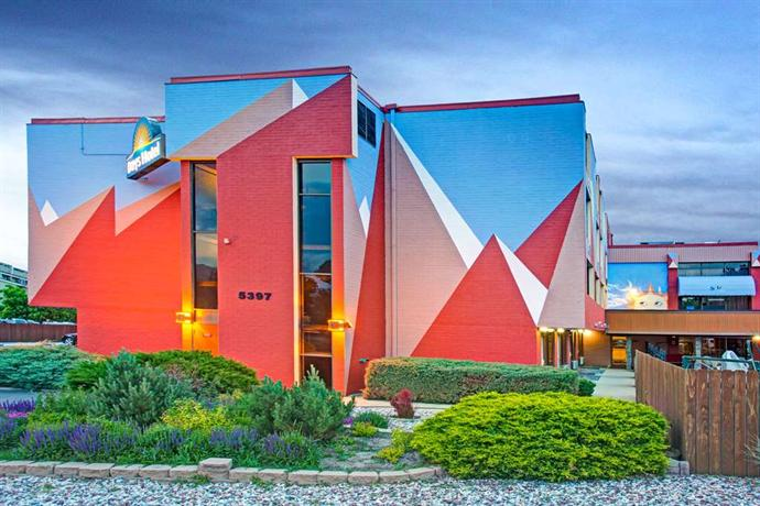 Days Hotel Boulder - dream vacation
