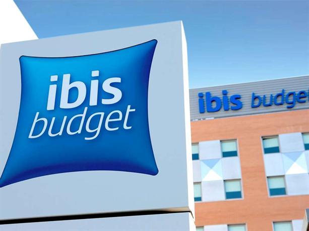 Ibis Budget Lleida - dream vacation