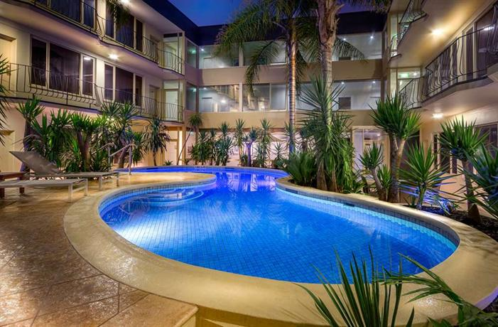 Photo: Best Western Plus Travel Inn Hotel