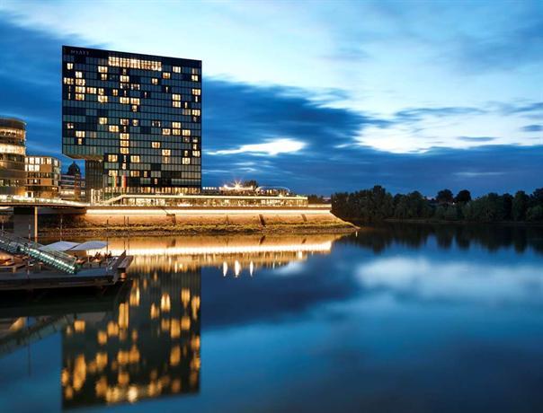 Hyatt Regency Dusseldorf - dream vacation