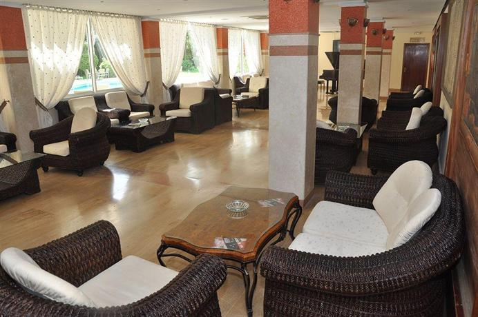 Hotel oumnia puerto tanger