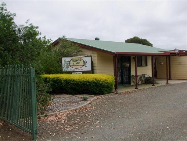 Photo: Ficifolia Lodge